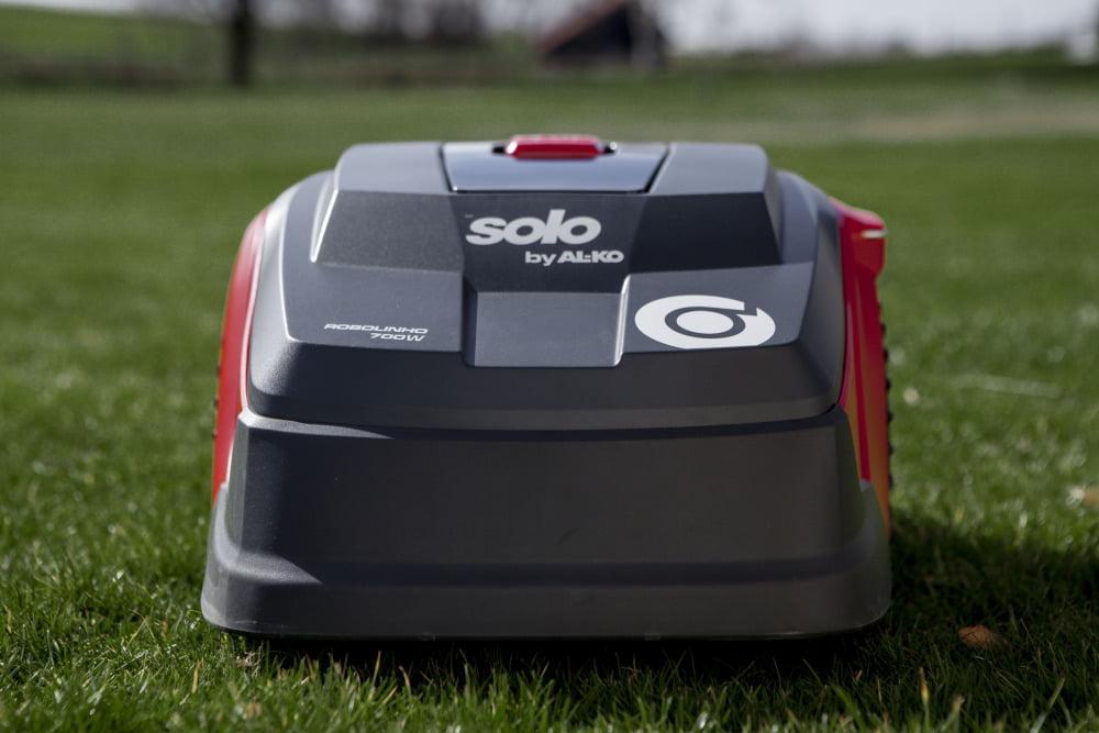 Solo robotplæneklipper premium PRO Robolinho 700 W - 700m2 inkl. installation, 1. års service og vinteropbevaring.